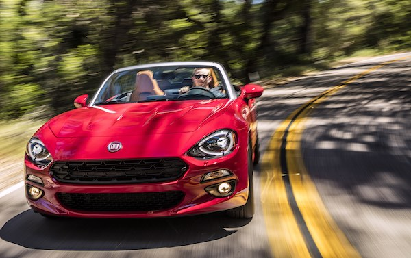 2017 Fiat 124 in red